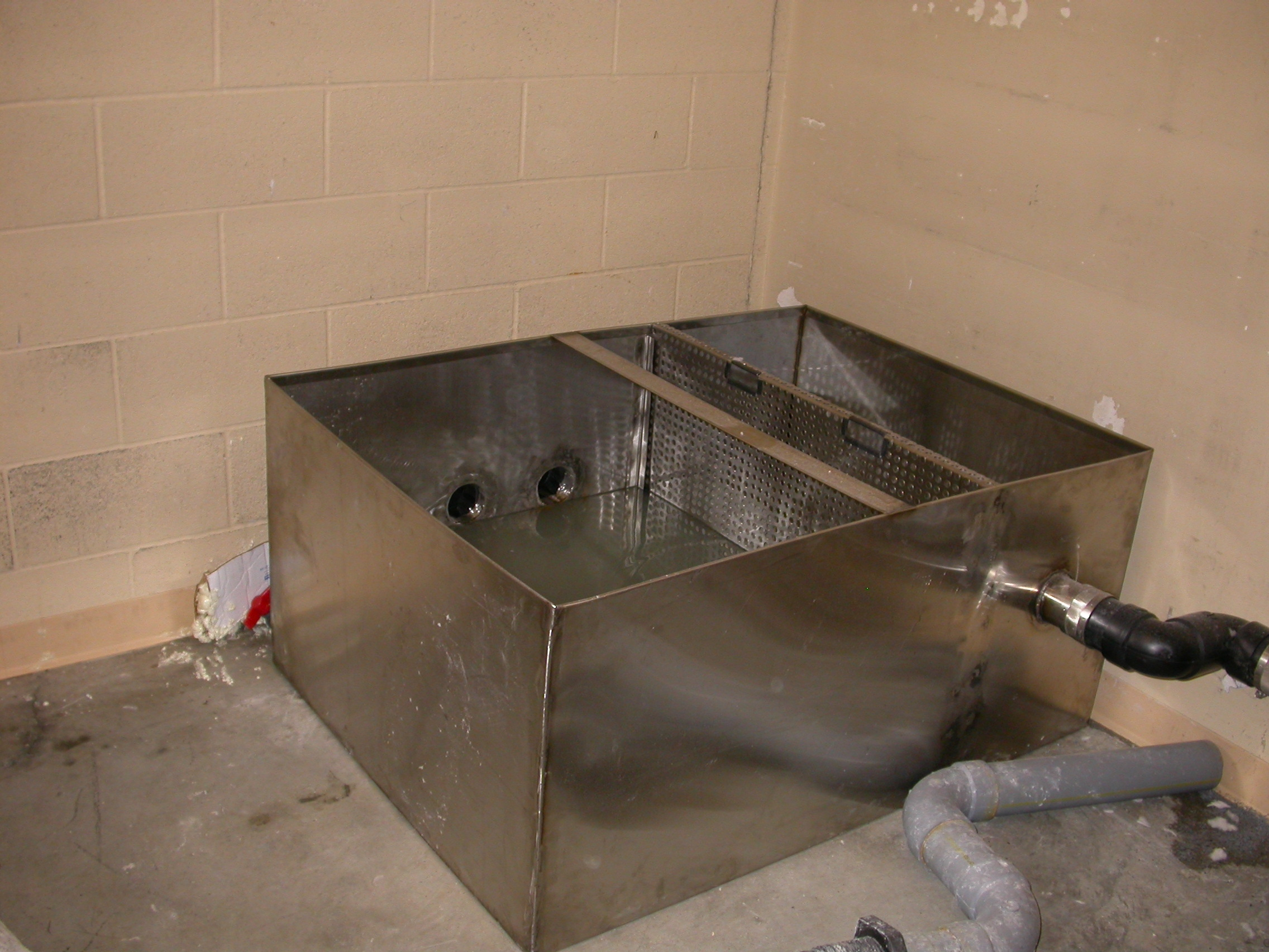 Washer-Extractor Lint Trough